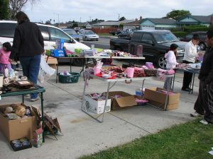 5 Signs Suggesting You May Need to Hold a Garage Sale