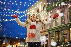 Holiday Decorating Tips to Make Your Life Easier